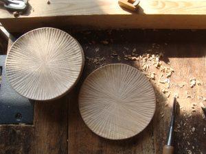 しのぎの木の皿