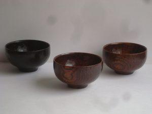 木の手彫りのお椀