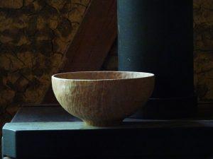 栗の木の鉢