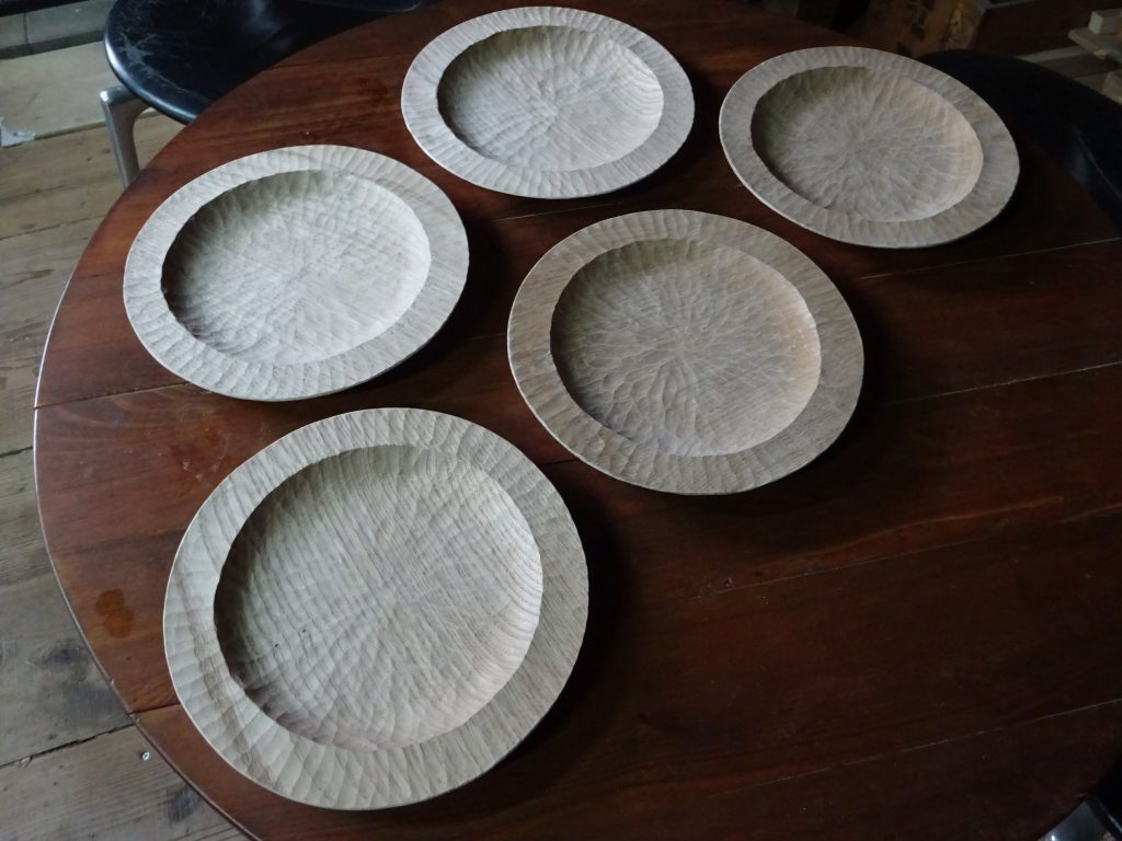 木のリム皿